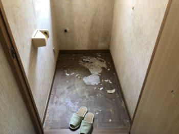 呉市広石内K様 トイレ便器交換リフォーム 施工中